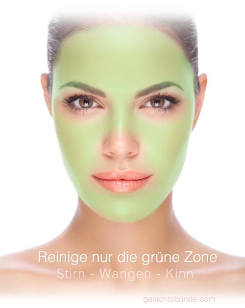 Reinige die grüne Fläche in deinem Gesicht. Lasse Augen, Mund und Nasenspitze weg.